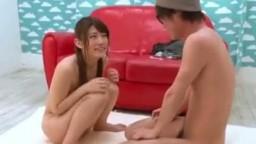 日本正妹和男朋友做愛,輸了就會被中出!