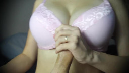 Amateur Titfuck in a Bra Ends with Cumshot