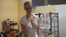 Czech Masseuse with Big Tits make Good Work