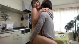KRU-002 アルバイト先のパート美人妻を自宅に連れ込んだらめちゃくちゃ性欲旺盛で大変なことになった話 寝取られ人妻NTR盗撮生セックス