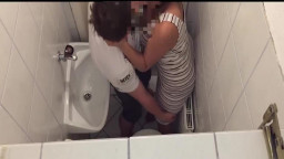Hidden Camera Taped a Tinder Date ending up in a Public Restaurant Toilet