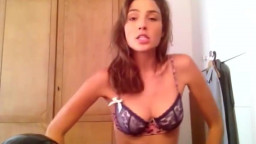 Gal Gadot (wonder Woman) Dancing in Lingerie