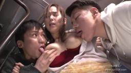 AP-661 突然のゲリラ豪雨でずぶ濡れ下着スケスケのまま満員バスに乗車してきた敏感娘を集団痴漢で地獄イキ!!