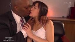DASD-574 夫の上司に魅せられた人妻。激しくピストンする黒光したペニス。 人妻黒人ntr 星奈あい