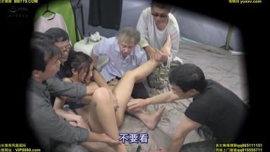 CLUB-604 隣でキャンプしていた生意気な巨乳デカ尻人妻をテントの中で輪●中出しした件