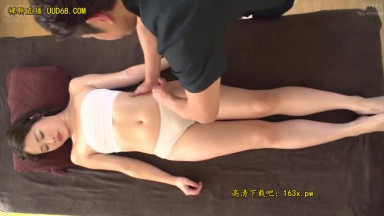 HAWA-203 妻に内緒で産後マッサージと称してポルチオ開発 「本当にあそこの中から指圧するんですか?」ねっとりと膣内を刺激されても嫌だと言えず膣中イキしまくる新米ママたち