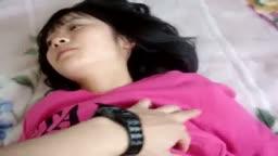 韓國少女床上任屌,下下深入頂到佢呼吸抽搐