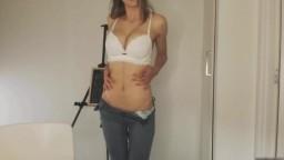 MissAlice Masturbates with Jeans