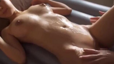 Oil Massage With Hot Japanese Chick